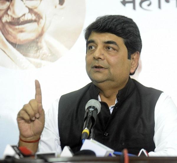 Jharkhand Cong manifesto promises jobs, loan waiver, Metro