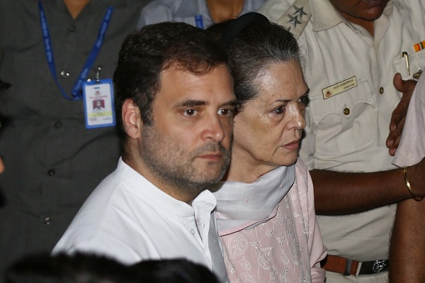 Sonia, Rahul to address rally after 10-day protest