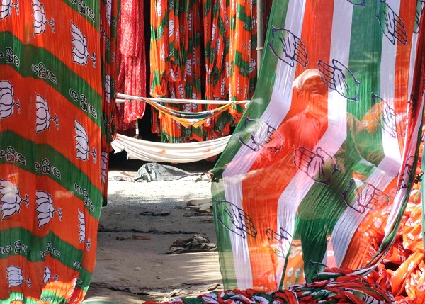 Both BJP, Cong claim victory ahead of RS polls in Gujarat