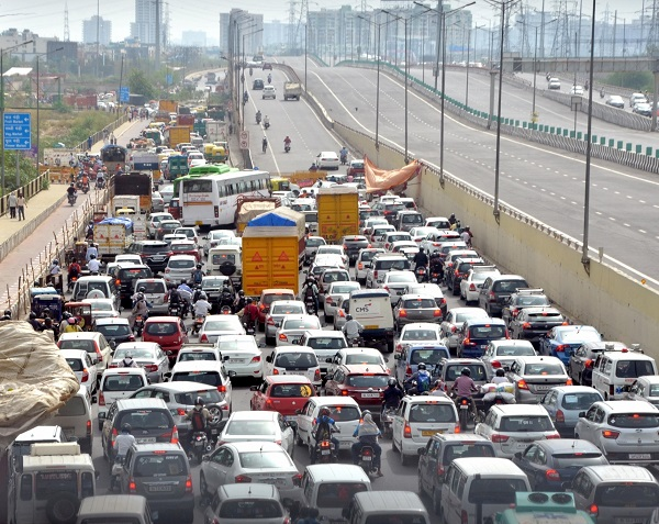 Delhi borders witness traffic congestion as curbs ease