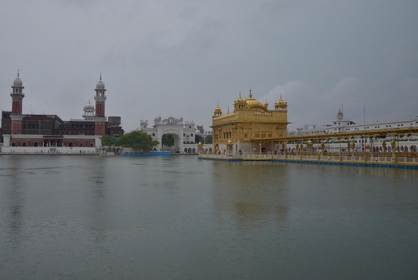 Devotees return to Golden Temple, Durgiana temple
