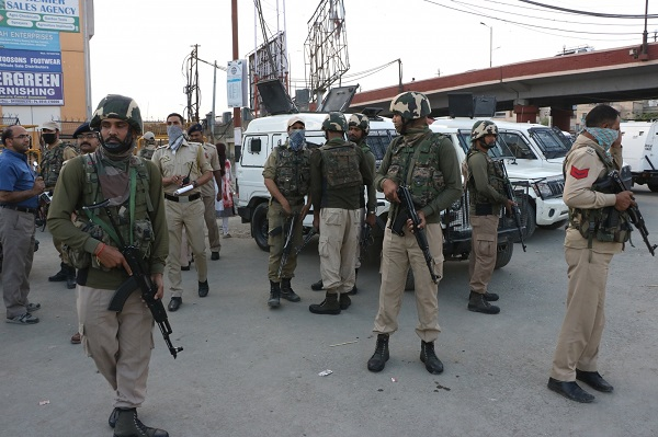 Mysterious blast in J&K's Pulwama causes panic